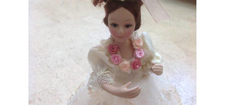Review: IMEMINE® Cremefarbene Prinzessin Puppe LED Tischleuchte für Kinder Nachttischlampe, Dekorative Leuchten für Prinzessin Schlafzimmer, Kindertischlampe mit Schalter,Rechargeable Lamp AC 110-220V