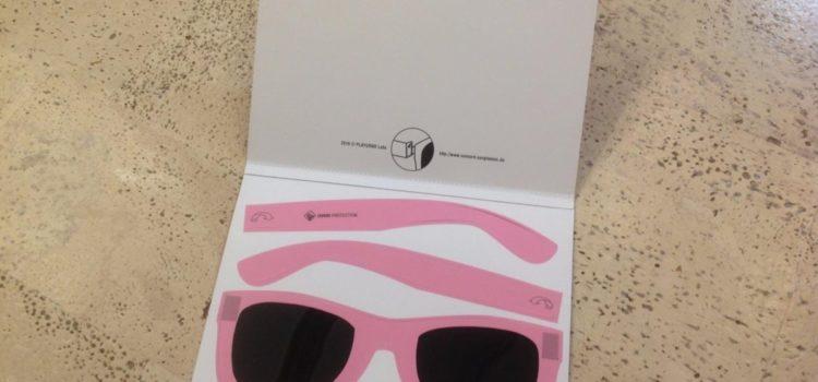 Test: 9 Stk. Grußkarten Klappkarten Set mit integrierter Sonnenbrille und 100% UV Schutz – einfach Aufklappen, zusammenbauen, aufsetzen